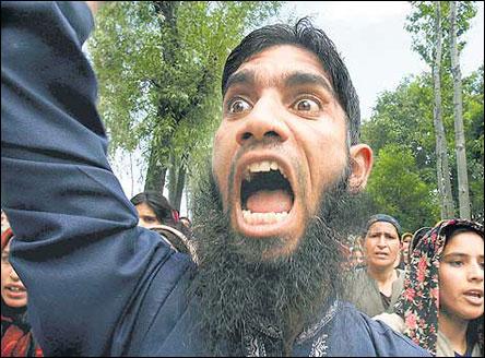 Blair varnades for muslimsk ilska