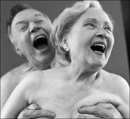 Gamla människor har väl inte sex? Uschiamej! Det förbjuder vi!