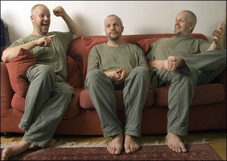 Calle gånger tre i soffan